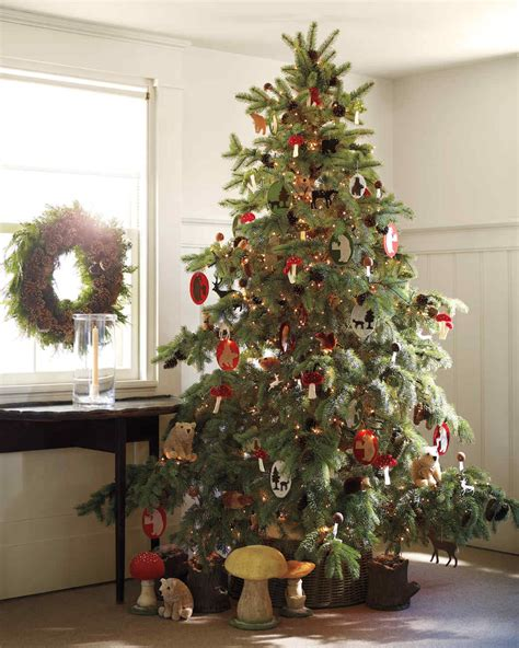 Tree Decorating Themes - creative tree decorating ideas martha stewart