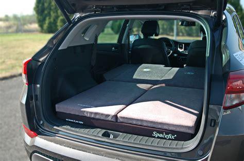 sleeping   car hyundai tucson