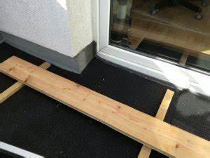 Wpc Dielen Auf Balkon Verlegen : wpc dielen auf balkon verlegen ~ Michelbontemps.com Haus und Dekorationen