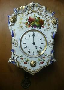 Wanduhr Mit Pendel : handbemalte porzellan wanduhr mit pendel und gong wohl ~ Watch28wear.com Haus und Dekorationen