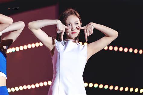 Nayeon's Biceps And Armpit  Random Onehallyu