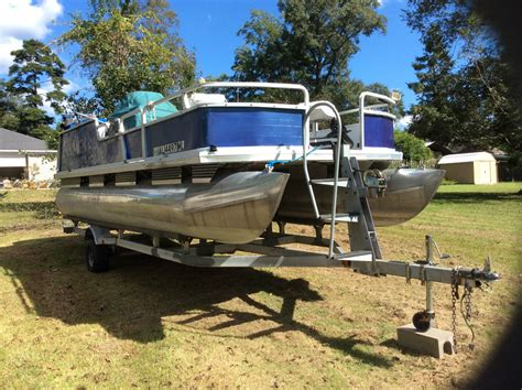 Tracker Boats Pontoon by Sun Tracker Pontoon Boat 2000 For Sale For 6 500 Boats