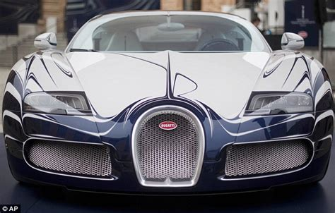 bugatti unveils  veyron sports car  porcelain