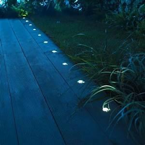 Lumiere De Terrasse : photo eclairage au sol pour all es et terrasses jardin ~ Edinachiropracticcenter.com Idées de Décoration