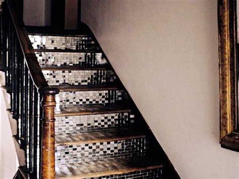 adhesif carrelage cuisine carrelage adhesif miroir pour eclairer la cage d 39 escalier