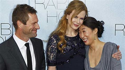 sandra oh new york times aaron eckhart gets intense at n y premiere of rabbit