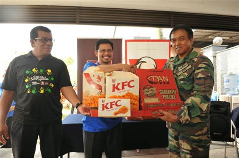 Kfc And Pizza Hut Sponsor Meals To Uniform Bodies And