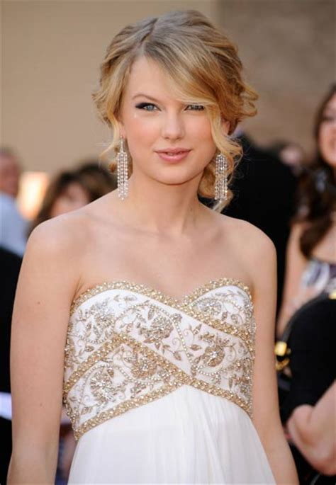 Taylor Swift Hairstyle Trends   Girls Hairstyle Ideas Best