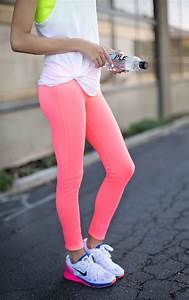How To Wear Pink Pants For Women 2018 | FashionGum.com