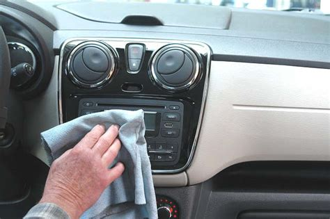 nettoyeur siege auto nettoyer les sièges de sa voiture 10 trucs nettoyage
