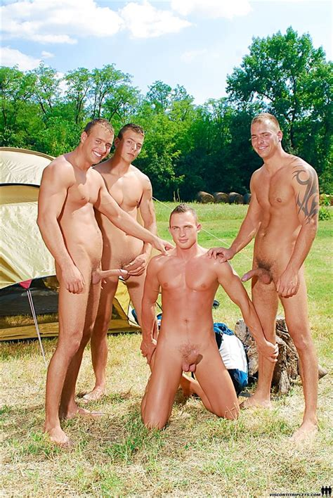 Outdoor Gay Frottage R