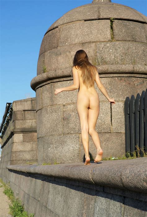 Naked Taissia A Shows Beautiful Pussy At City Centre Russian Sexy Girls