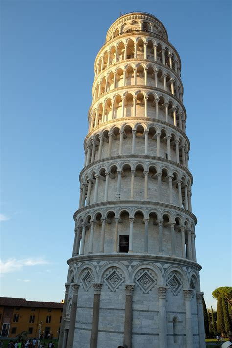 the leaning tower of pisa the leaning tower of pisa italy theflairsophy