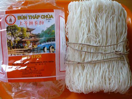 vietnamese noodles  bun rice noodles viet world kitchen