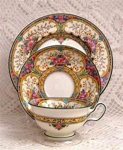 Wedgwood Porzellan Alte Serien : teacup saucer trio little things pinterest teetasse porzellan und tassen ~ Orissabook.com Haus und Dekorationen