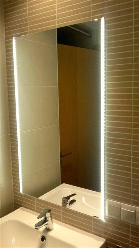 bathroom design ideas espejo de baño con leds integrados encendido mis diy