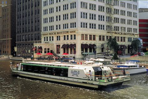 Boat Rental Milwaukee by Milwaukee Tours And Cruises Soulofamerica