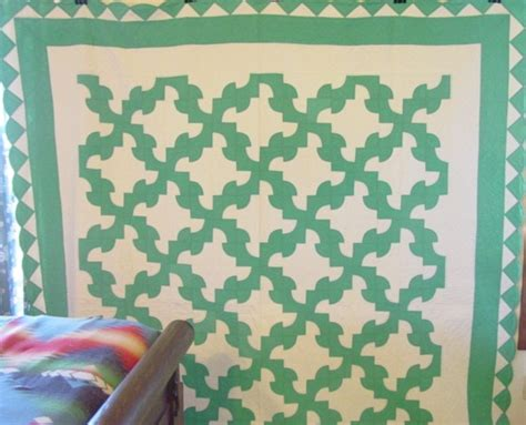 green white drunkards path quilt border large sold