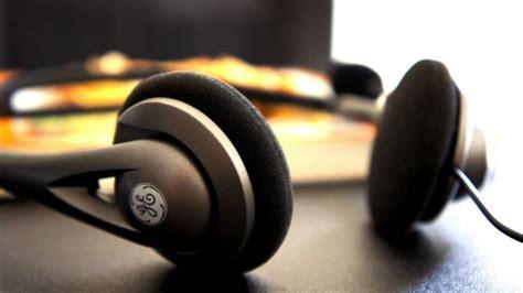 10 Best Headphones You Should Buy This Year