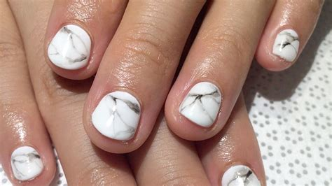 white and gray bathroom ideas marble nails how to get the manicure trend in 5 steps
