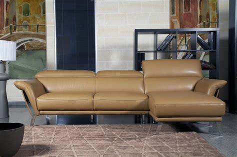 canape sur pied canapé contemporain italien sur pieds heni canapé en