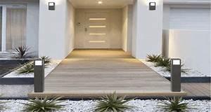 decoration entree maison exterieur deco terrasse bois With idee de terrasse exterieur 3 idee deco entree noir et blanc