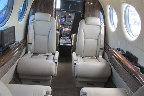 File:Beechcraft King Air 350i interior 2.jpg - Wikimedia ...