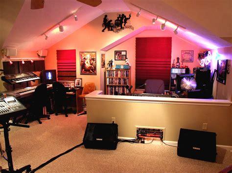 Home Recording Studio : Necessary Equipment For Any Home Music Studio