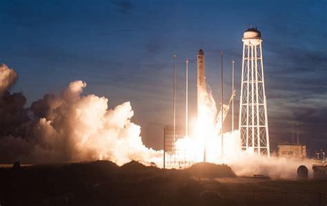 Dramatic New Photos of Antares Launch Failure - SpaceNews.com