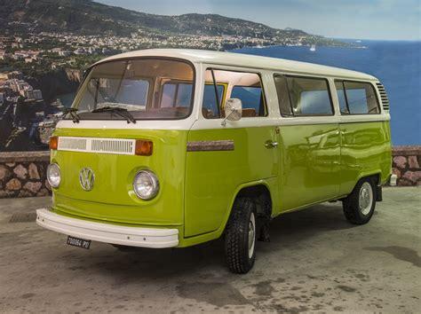 volkswagen minibus   noleggio auto costiera