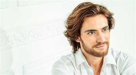 fryzury meskie dobor  rodzaju twarzy wieku  charakteru mezczyzny wlosy porady halier