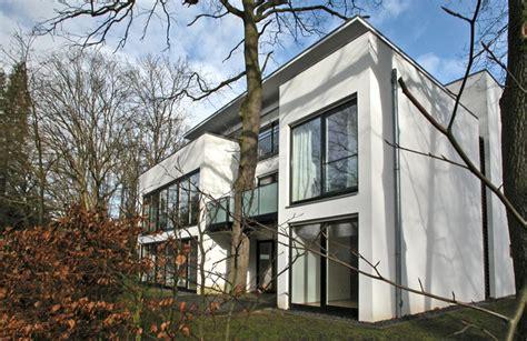 Baum Im Haus by Haus Um Baum Gebaut Hannover Mitte Myheimat De