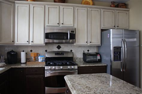 color cabinets  kitchen