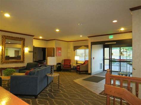 comfort suites colorado springs comfort inn air academy area 114 1 4 1