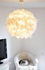 Schlafzimmer Lampe Selber Machen : es werde licht diy federlampe wundervoll paper art pinterest lampen diy lampen und ~ Markanthonyermac.com Haus und Dekorationen