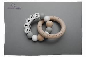 Silikon Aus Kleidung : beissring aus silikon und holz model liano herzchenklein ~ Buech-reservation.com Haus und Dekorationen