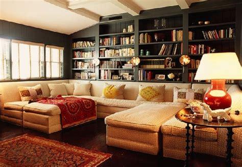 Decorating Bookshelves