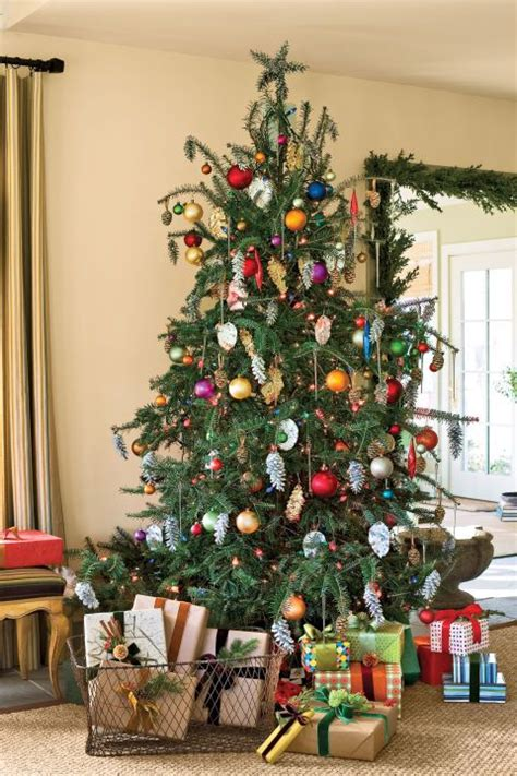 Decorating Ideas For Trees by 32 Festive Tree Decorating Ideas
