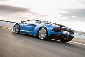 Lamborghini Aventador 2018 : 2018 lamborghini aventador s gallery 703557 top speed ~ Medecine-chirurgie-esthetiques.com Avis de Voitures