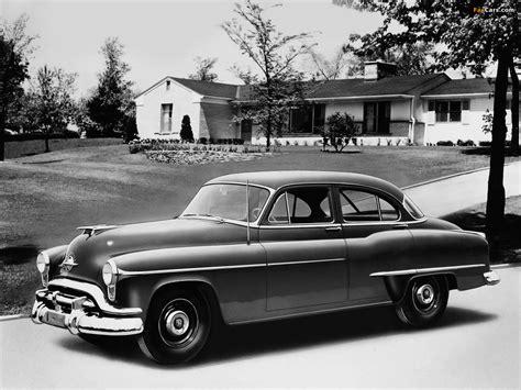 Oldsmobile Deluxe 88 4-door Sedan (3669) 1952 pictures ...