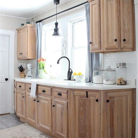 waxing kitchen cabinets 25 best ideas about updating oak cabinets on 3366