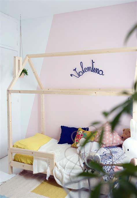 lit pour chambre un lit cabane dans une chambre d 39 enfant blueberry home