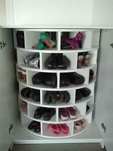 Rangement Chaussures Original : rangement chaussure rotatif ~ Teatrodelosmanantiales.com Idées de Décoration