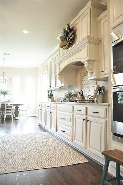 warm white kitchen paint color sherwin williams sw  divine white divine white  clay