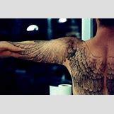 Anatomically Correct Wing Tattoo   400 x 266 jpeg 18kB