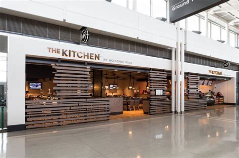 Wolfgang Puck Now Has A Restaurant At Dulles Airport