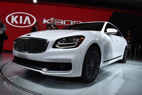 2019 Kia K900 Luxury Sedan Debuts At 2018 New York Auto