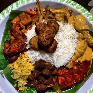 Iftar: Nasi Ambeng | paradoxichix