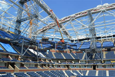 Final Steel Beam Installed For Us Open Retractable Roof