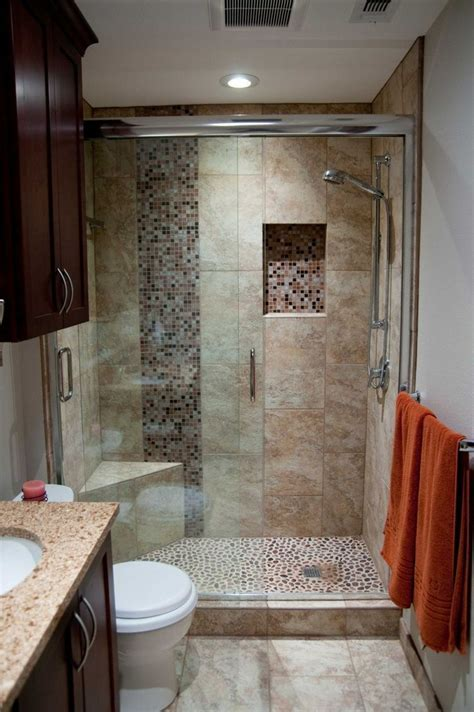 Remodeling Small Bathrooms Pictures by Best 20 Small Bathroom Remodeling Ideas On